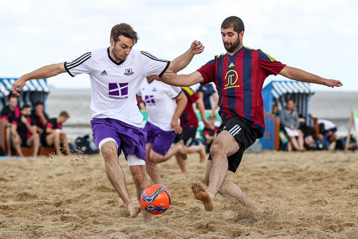 Sommer, Strand und Fußball - das ist Beachsoccer. (Foto: Sven Peter)