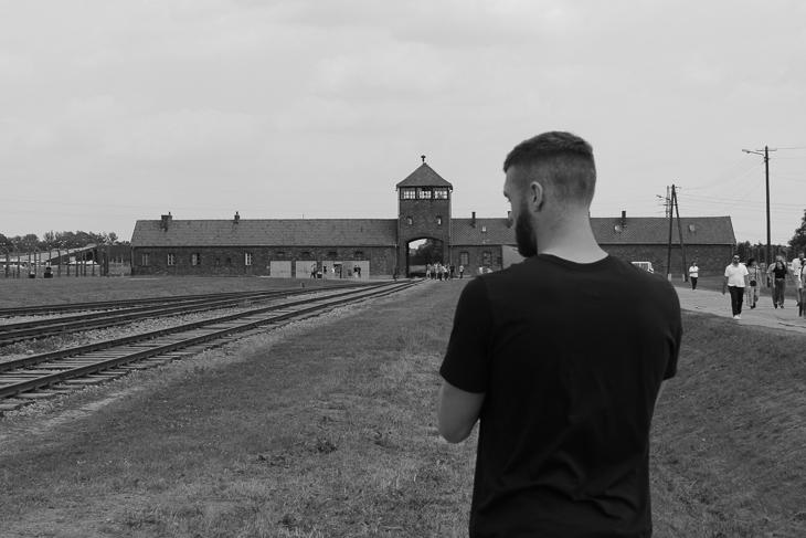 Ziel der Gedenkstättenfahrt: das Vernichtungslager in Auschwitz. (Foto: Getty Images)
