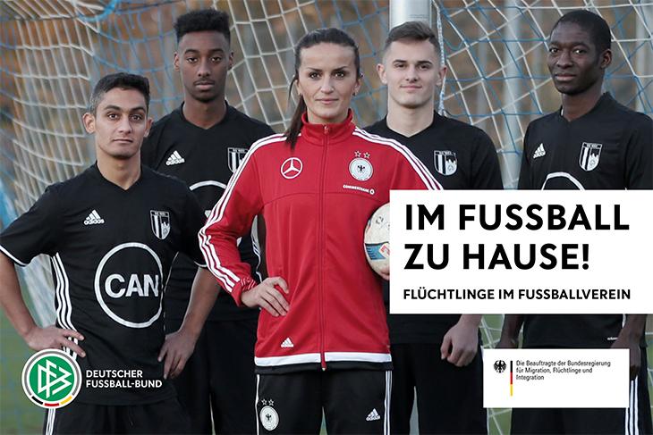 """Der DFB hat die Broschüre """"Im Fußball zu Hause!"""" herausgegeben. (Foto: DFB)"""