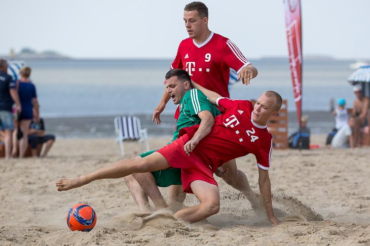Packende Zweikämpfe und eine besondere Ballbehandlung sind vorprogrammiert. (Foto: Sven Peter - spfoto.de)
