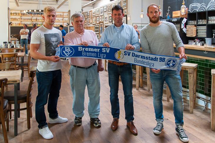Sebastian Kmiec, BSV-Präsident Dr. Peter Warnecke, der sportliche Leiter Klaus Gelsdorf und Ole Laabs (v.l.) freuen sich auf das Highlight des Jahres.
