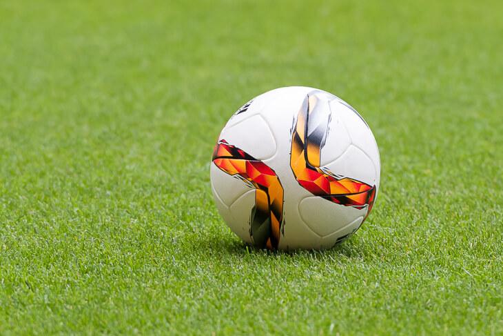Der Ball kann wieder rollen - die Spielklassen stehen fest. (Foto: Oliver Baumgart)