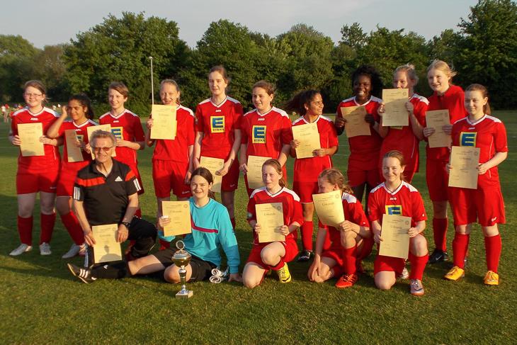 Die SG FC Mahndorf/ TV Arbergen ist Pokalsieger der C-Juniorinnen. (Foto: Joachim Dietzel)