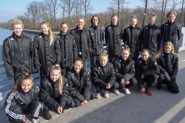 Die BFV-Juniorinnen kehren mit Platz 16 aus Duisburg zurück. (Fotos: privat)