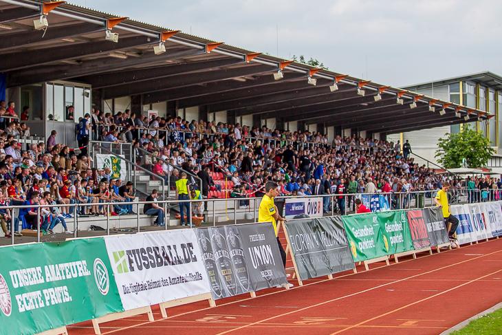 Die Tribüne im Stadion Obervieland soll am 25. Mai wieder prallgefüllt sein. (Foto: dgphoto.de)