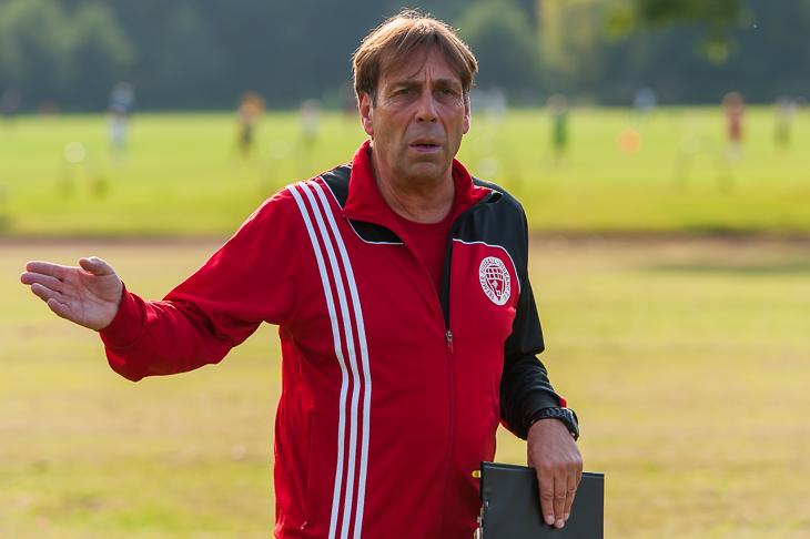 Wilfried Zander ist ein erfahrener Trainer mit internationaler Erfahrung.