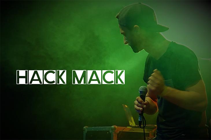 Hack Mack heizt dem Publikum musikalisch ein. (Foto: Hack Mack)