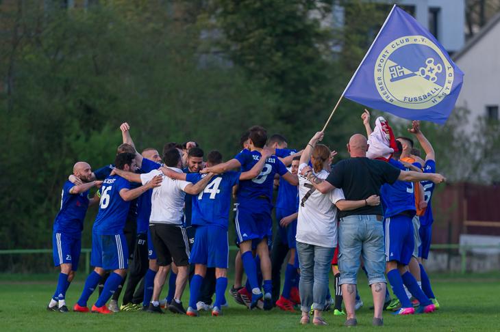Jubel beim BSC Hastedt über den ersten Einzug ins LOTTO-Pokal Endspiel. (Foto: Oliver Baumgart)
