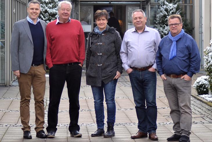 Michael Weiner, Wilfred Diekert, Monika Fornacon, Bernd Domurat und Torsten Rischbode (v.l.) bilden den Schiedsrichterausschuss des Norddeutschen FV. (Fotos: Niedersächsischer FV)