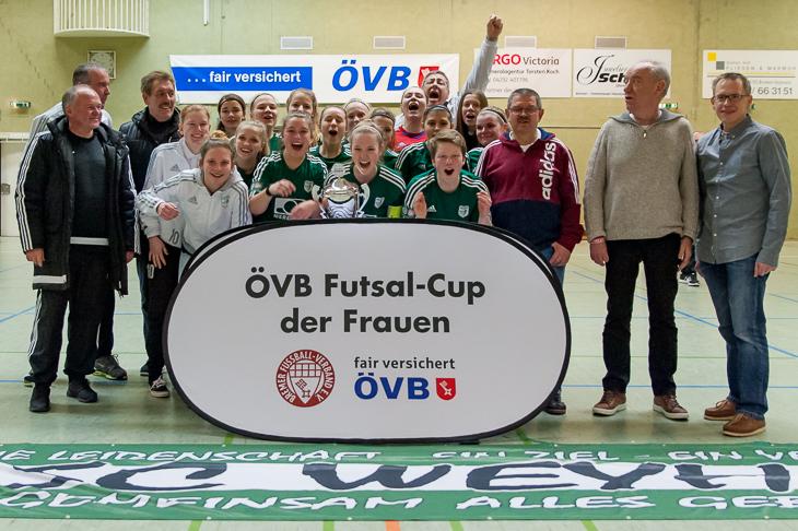 Jubel beim SC Weyhe über den ersten Sieg beim ÖVB Futsal-Cup der Frauen.