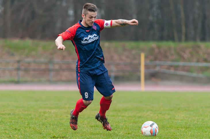 Tim Pendzich steht mit dem Blumenthaler SV im Halbfinale.