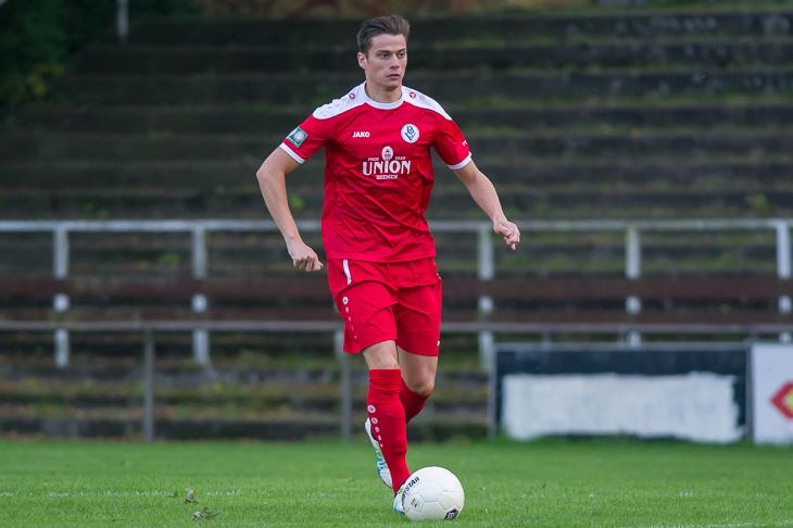 Frithjof Rathjen empfängt mit dem Bremer SV im Spitzenspiel den Blumenthaler SV auf dem Kunstrasen am Hohweg. (Foto: Oliver Baumgart)
