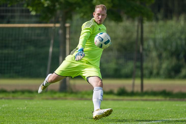 LTS-Keeper Marco Theulieres will seinen Kasten gegen die BTS Neustadt sauber halten. (Foto: Oliver Baumgart)