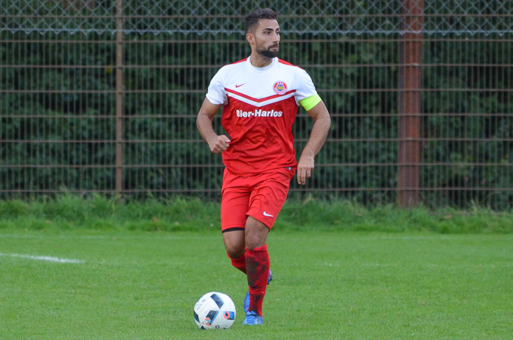 Leandro Nunes Amador spielt mit dem ESC Geestemünde beim TSV Grolland. (Foto: Olaf Lücke)