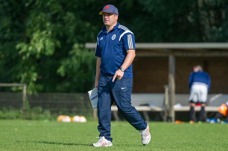 Habenhausens Coach Paulo Pereira hofft auf einen Sieg gegen den KSV Vatan Sport. (Foto: Oliver Baumgart)