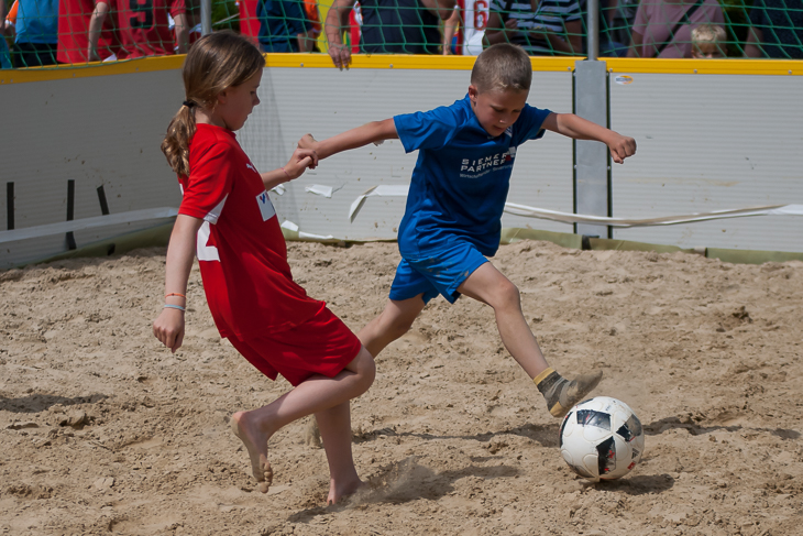 Das F-Junioren Turnier erwischte traumhaftes Wetter.