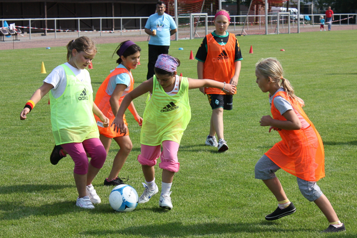 Der Spaß am Fußball steht beim Tag des Mädchenfußballs im Vordergrund. (Foto: Ralf Krönke)