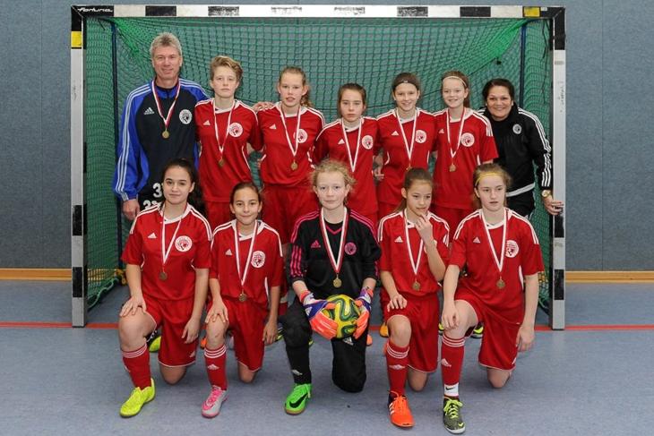 """Die U 14-Juniorinnen des BFV holten """"Bronze"""" in Hamburg. (Foto: Hamburger FV)"""