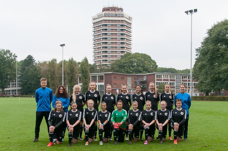 21. Platz an der Wedau: Die U 18-Juniorinnen des BFV. (Fotos: Oliver Baumgart)