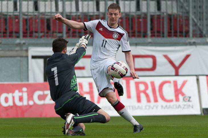 Tim Grundmann (r.) brachte Bremen in Führung.