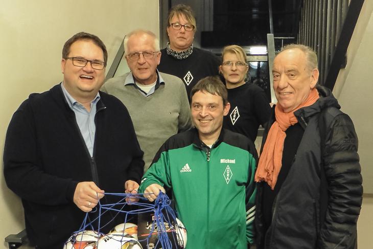Gemeinsam mit Dieter Stumpe (r.) besuchte Björn Fecker (r.) Tura Bremen. (Foto: Gero Groenhoff)
