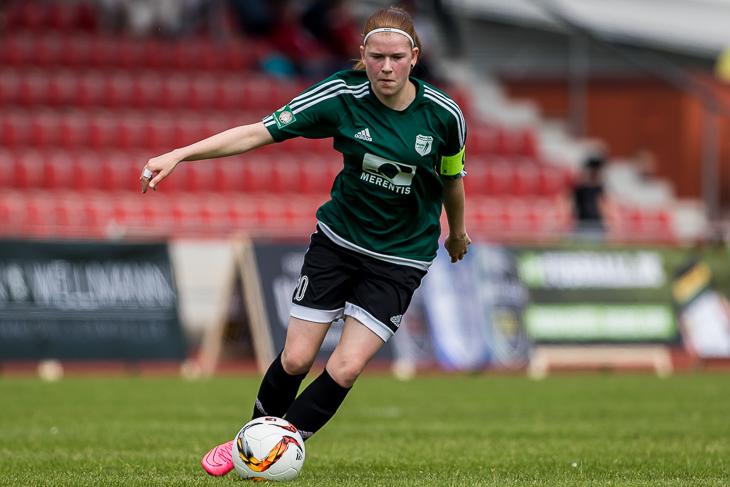 Nina Woller zieht die Partien des LOTTO-Pokal Viertelfinales der Männer. (Foto: dgphoto.de)