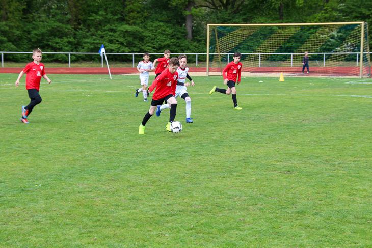 Spielszene aus dem Finalspiel zwischen dem ESC Geestemünde und dem FC Union 60.