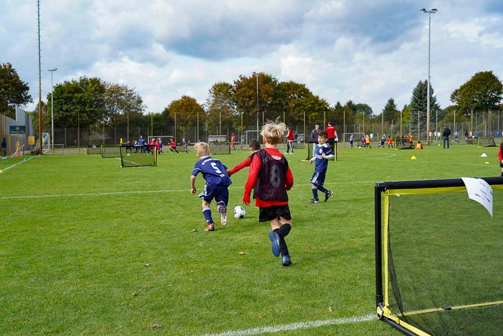 Viele Ballkontakte, viele Tore - beim Drei gegen Drei sollen die Kids viele Ballaktionen haben. (Foto: David Dischinger)