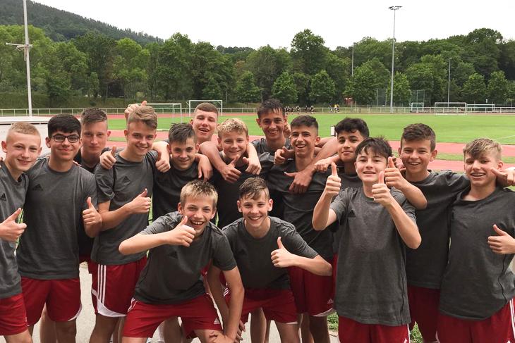 Die Jungs sind zufrieden mit dem Turnier. (Foto: Sven Meinecke)