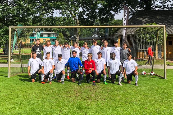Die Bremer U 15-Auswahl in Duisburg. (Foto: privat)