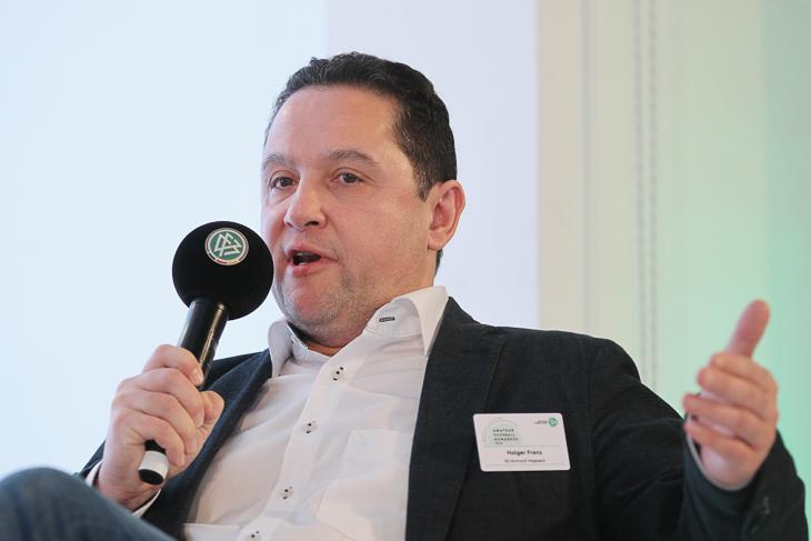 BFV-Vizepräsident Holger Franz nahm an einer Podiumsdiskussion zu den Rahmenbedingungen des Amateurfußballs teil. (Foto: Getty Images)