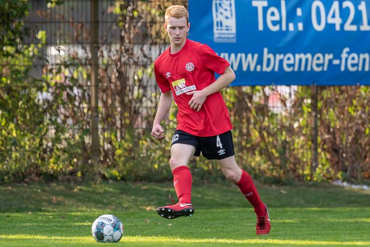 In einem torreichen Spiel unterlagen Falk Marquard und der FC Union 60 dem Brinkumer SV. (Foto: Oliver Baumgart)
