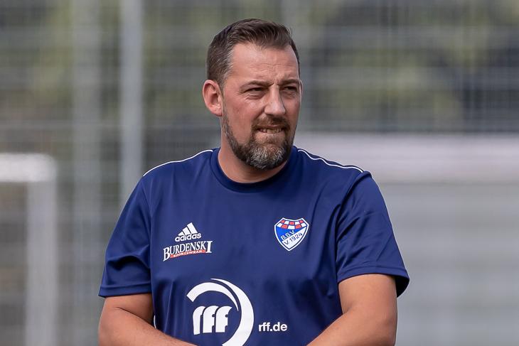 Brinkums Coach Mike Gabel will die Punkte gegen Werders U 21 am Brunnenweg behalten. (Foto: Oliver Baumgart)