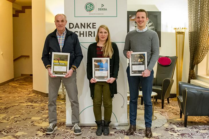 Günther Betin, Tina Kettler und Dirk-Lutz Jürgens (v.l.) sind die Landessieger in ihren Kategorien. (Foto: Oliver Baumgart)