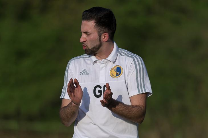 Hastedt-Coach Gökhan Deli hofft auf drei Punkte bei Aufsteiger Borgfeld. (Foto: Oliver Baumgart)