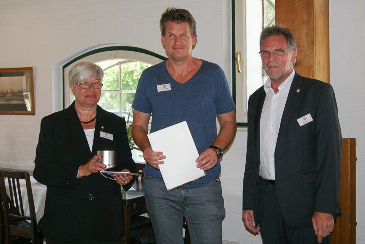 Dirk Kubica (m.) aus dem Kreis Bremen-Stadt freute sich ebenfalls über die Auszeichnung. (Foto: SHFV)