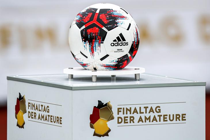 Der Ball rollt beim Finaltag der Amateure in diesem Jahr am Vinnenweg. (Foto: Sven Peter/spfoto.de)