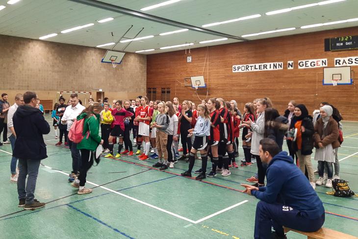 In der Sporthalle ging es in dieser Woche für die kickenden Mädels um Titel. (Foto: Paul Seidel)
