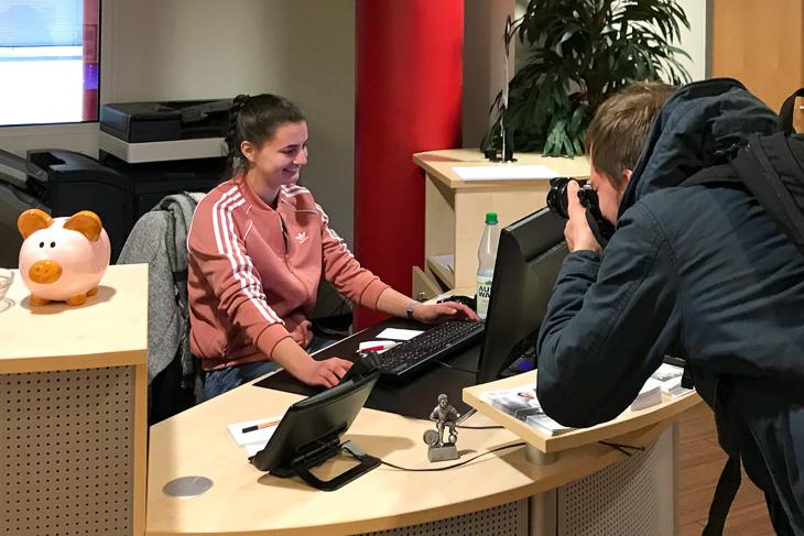 Bitte Lächeln! Lea Taubert war in dieser Woche bei der Presse eine gefragte Gesprächspartnerin. (Foto: Oliver Baumgart)