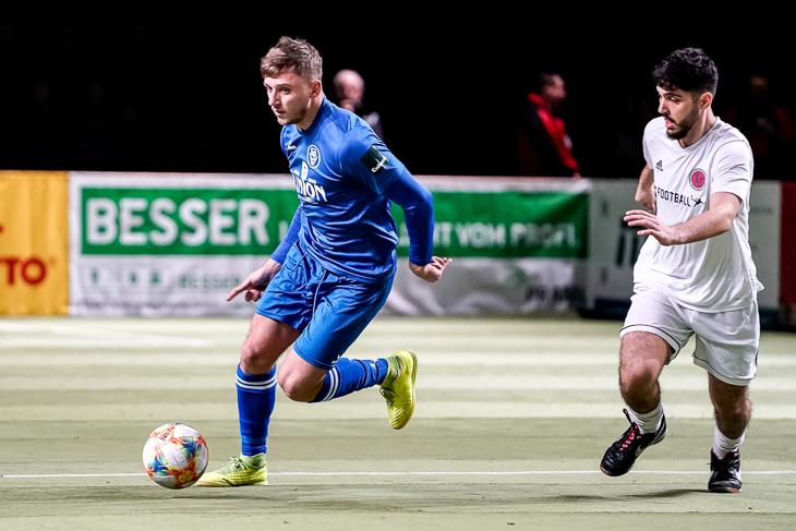 Der Bremer SV (blaues Trikot) konnte sich in einem langen Entscheidungsschießen den dritten Platz sichern. (Foto: Sven Peter/spfoto.de)