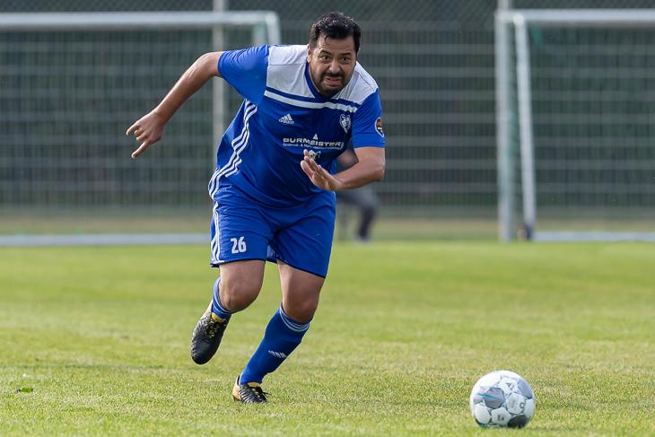 Gökhan Yücel von der Leher TS traf drei Mal gegen den FC Riensberg. (Foto: Oliver Baumgart)