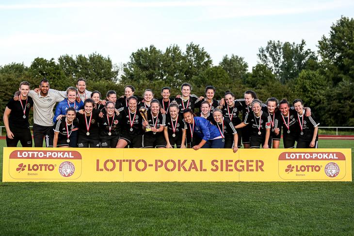 LOTTO-Pokal erfolgreich verteidigt: Der TuS Schwachhausen. (Foto: Sven Peter - spfoto.de)