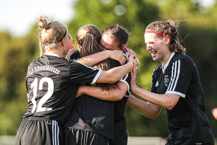 Souverän im Halbfinale: Die Frauen des TuS Schwachhausen. (Foto: Sven Peter)