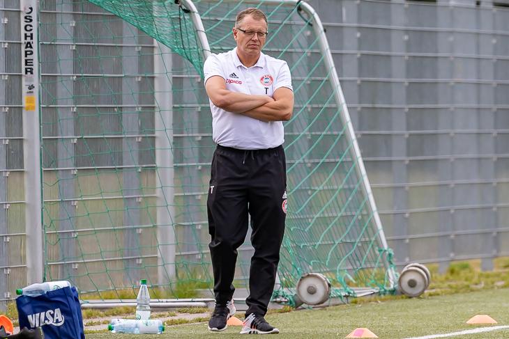 Geestemünde-Coach Stefan Schlie will im ligainternen Duell mit dem BSC Hastedt ins Viertelfinale. (Foto: Oliver Baumgart)