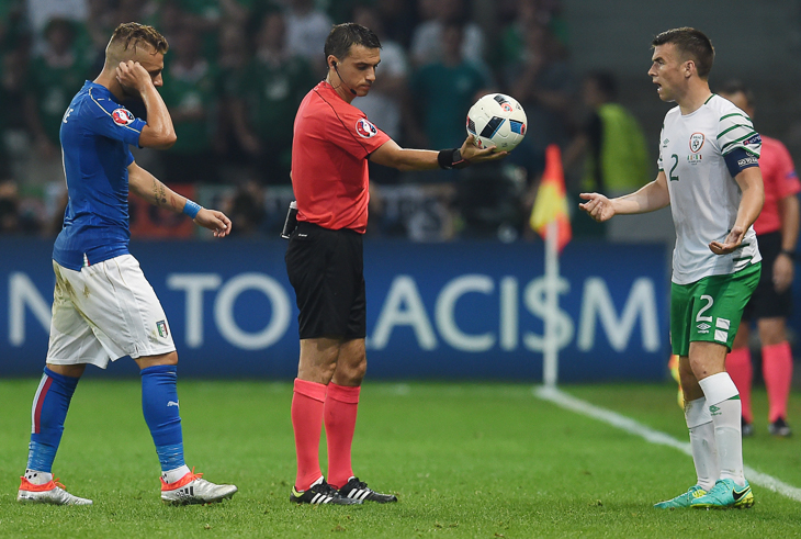 Die Ausführung des Schiedsrichterballs hat sich grundlegend geändert. (Foto: Getty Images)