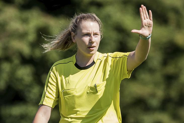 Jennifer Rehnert ist die Schiedsrichterin des Frauenfinales. (Foto: dgphoto.de)