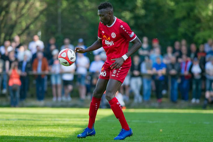 Ebrima Jobe brachte den FC Oberneuland früh in Führung. (Foto: Oliver Baumgart)