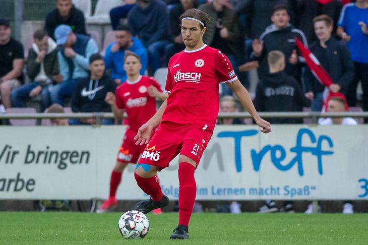 Lars Tyca und der FC Oberneuland wollen gegen den FC Union 60 die Punkte zuhause behalten. (Foto: Oliver Baumgart)