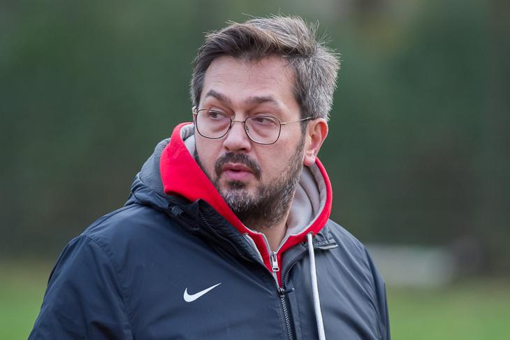 Für Borgfeld-Coach Ugur Biricik stellt sich die Frage, wie sein Team auf die Klatsche vom Wochenende reagiert. (Foto: Oliver Baumgart)