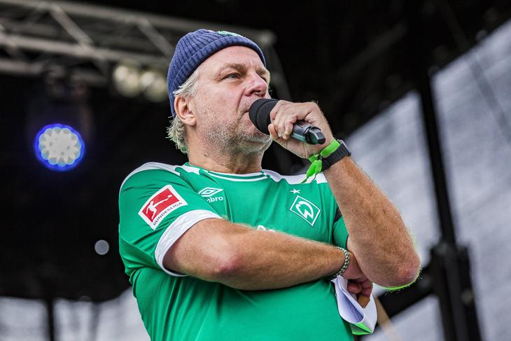 Christian Stoll lost den LOTTO-Pokal aus. (Foto: Imago/Nordphoto)